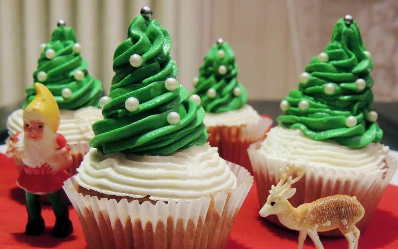 A no l c est plus que jamais la folie des cupcakes jeux 2 cuisine - Boule de noel en anglais ...